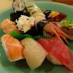 丸万寿司 - にぎり盛合せ