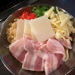 お好み焼き でん - 豚もちチーズ玉