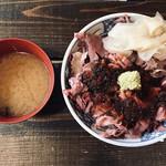 ぼんてん漁港 - 肉丼(750円)