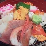 13733030 - ボリュームの海鮮丼