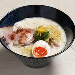 鶏と魚介らぁ麵komugi - 料理写真:クリーミー白湯ラーメン