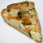 137339902 - 野菜のキッシュ
