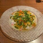 UNO - 料理はカルパッチョからスタートです。