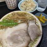 137341667 - ランチ並(中華そば+肉ごはん小+おしんこ)+柔らかバラ肉1枚 ¥790+200→税込み¥1089