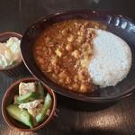 カフェ サバド - ひよこ豆のキーマカレー+デリ2個2020.09.19