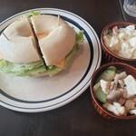 カフェ サバド - ハム&チーズのベーグル+デリ2個2020.09.19