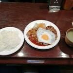 ハンバーグの店ベア - ハンバーグ+ミニポークソテー 1000円、目玉焼き 100円、味噌汁 100円