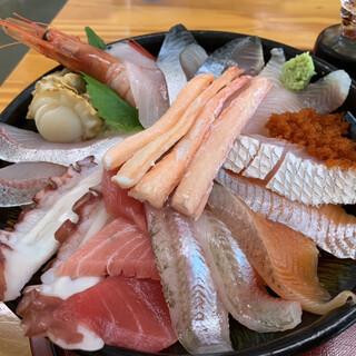 鯛喜 - 料理写真:ちょっと豪華丼
