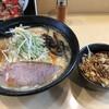 二代目 女がじゅまる - 料理写真:1番人気のみそと、プチ丼(牛〜っとオニフラ丼)