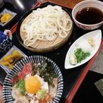 京雀 - 料理写真:うどん+ミニ海鮮丼