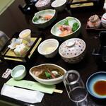 味の宿 花椿 - 料理写真:夕食