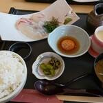 直送海鮮なるみ丸 - 料理写真:大鳴海鯛まぶし(鯛茶漬け仕立て)