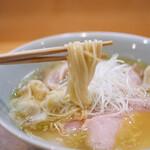 らぁ麺 飯田商店 - わんたん入りしおチャーシュー麺