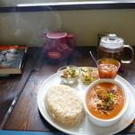 ノマドカフェ - チキンカレープレート(キッシュ、ミネストローネ、豆サラダ)