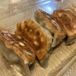 大和名物大餃子の店 サイヨー - でっけぇうまい。