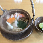 うちげの料理 八塩 - 熱々の海鮮土瓶蒸し