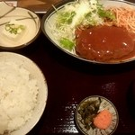 Kamiyaryuuhakatadoujou - ハンバーグ定食900円