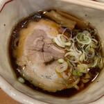 誠や - 料理写真:醤油ラーメン小盛¥750