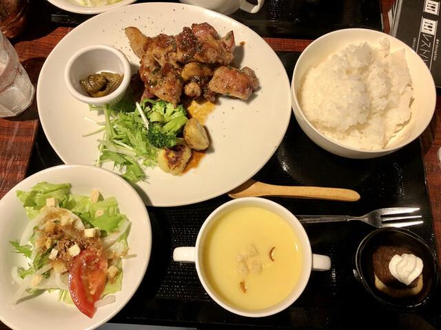 府中Dining&Bar レストハウスの料理の写真