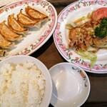 餃子の王将 - 油淋鶏 ¥598 餃子 ¥264 ご飯 ¥187 (単品注文)
