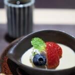 神戸牛割烹 銀座 美作 - 甘味:ほうじ茶のプリン