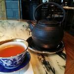ヘイフンテラス - ジュースの後はプーアール茶