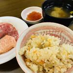 ホテル ナトゥールヴァルト富良野 - 料理写真:『一杯目』 鮭イクラご飯