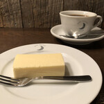 ムーン ファクトリー コーヒー - 中煎りブレンドcup¥750  自家製チーズケーキ¥600