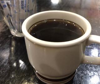 つる岡 - 食後 ランチタイムのサービスコーヒー