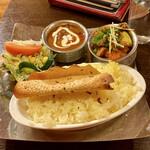 アロマズ オブ インディア - ブランチセットB(ナンなし、野菜とダールブハラ)