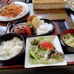 フォルテ - 料理写真:ハンバーグ定食