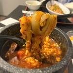 蓬渓閣 - 蓬渓閣 2号店@湯島 炎の石焼麻婆豆腐 刀削麺リフト