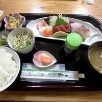 小さな和風レストラン 笑福-刺身定食¥1,000