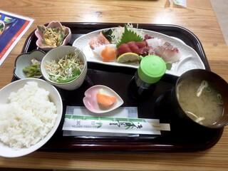 小さな和風レストラン 笑福 - 刺身定食¥1,000