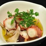 エム - タコのガーリックオイル煮☆ガーリックオイルがたまらなくおいしいです!