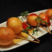エム-チーズボールのフルーツピューレがけ♪3種類の味が楽しめます!