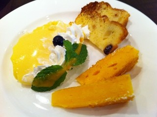 SERIO - デザートはこんな感じで      カスタードプリン&キャロットケーキ&パウンドケーキ