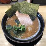 裏武蔵家 - 料理写真:「うらむさ 並」750円