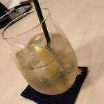 日本料理 華の縁 - 乾杯の飲み物は、「自家製ジンジャエール」で!これがとても美味しくてびっくり(@_@)