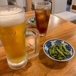 英屋 - 生ビール・ウーロン茶とお通し