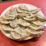 百老亭 - 料理写真:鍋貼餃子