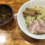 麺武者 - ガツンつけめん(880円)