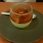 137467831 - 抹茶のムースとウーロン茶のゼリー