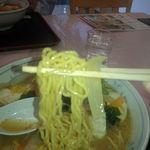 13747782 - 岬らーめん(味噌)の麺