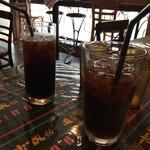 エルソカロブリトー - 私はコーラを、息子は冷コー(アイスコーヒー)を