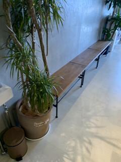 麺屋 しん道 - 待つ椅子
