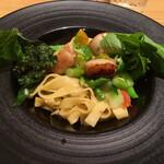 ビストロ お野菜と. - 帆立と野菜のパスタ