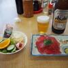 ふみや食堂 - 料理写真:ポテトサラダ、マグロ造り、ビール