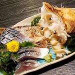 海老勢 - 料理写真:バイ貝、〆さば 1280円