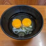 137483624 - 生卵と生卵